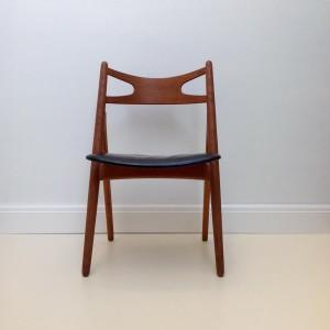 Hans-Wegner-Sawbuck-CH29-Chair