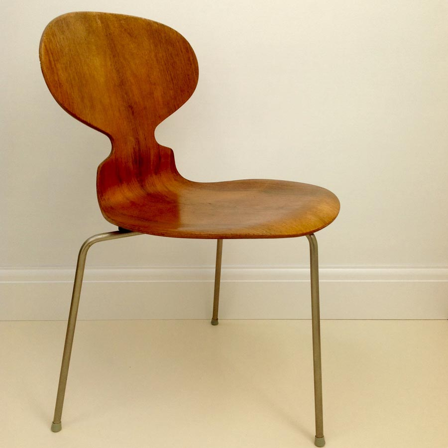 Form & Function | Arne Jacobsen 'Ant' Chair1952
