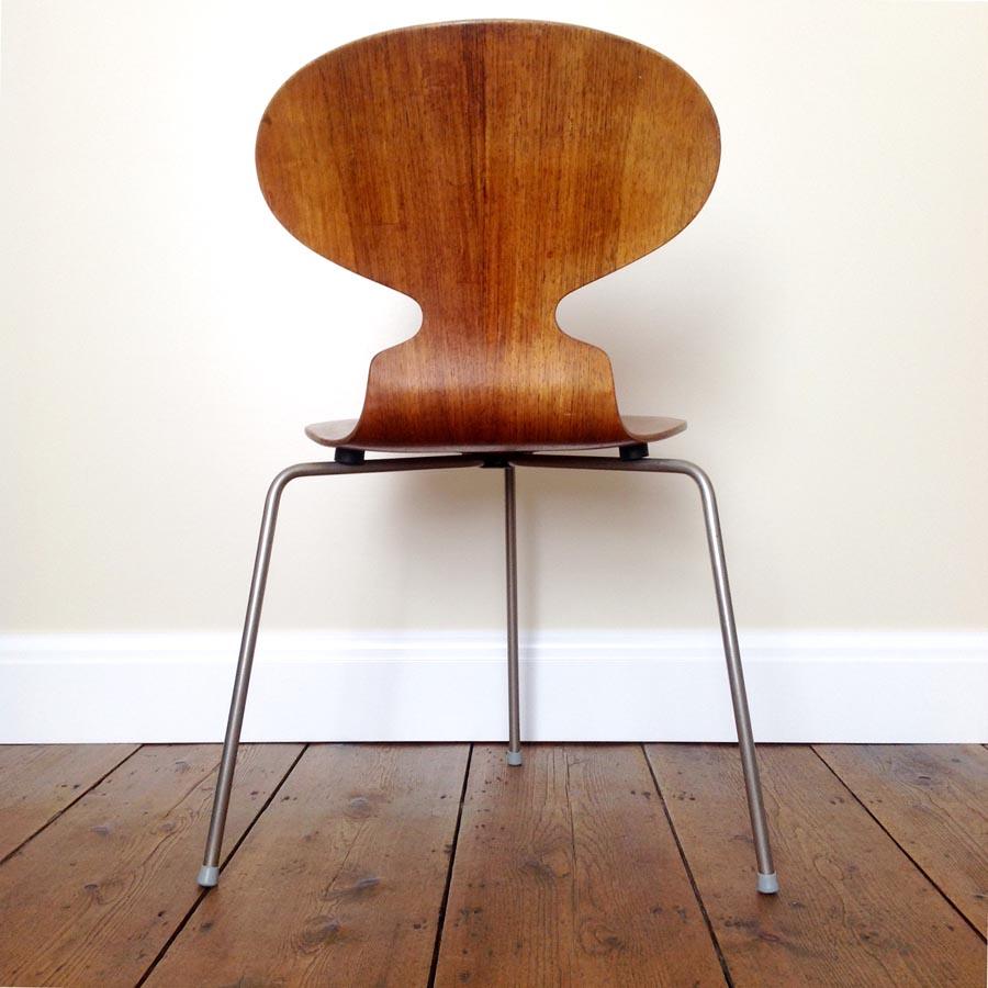 form function arne jacobsen ant chair1952. Black Bedroom Furniture Sets. Home Design Ideas