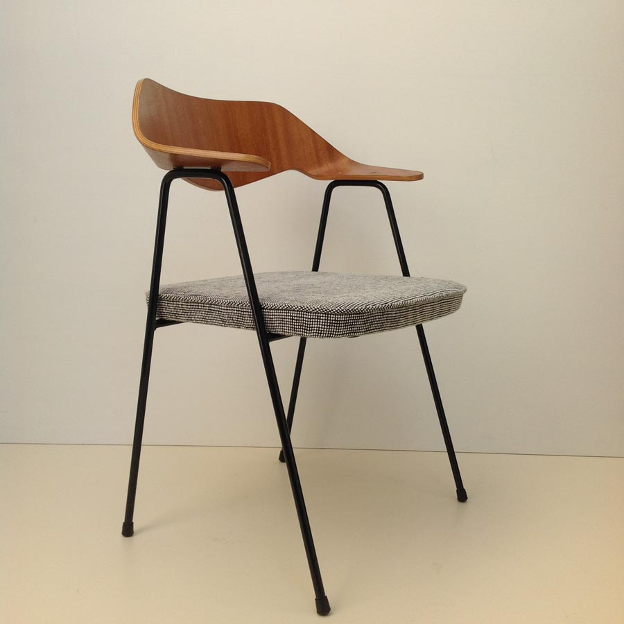 Form Amp Function Robin Day 675 Chair1952